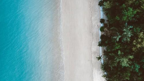 คาเฟ่ริมหาด เขาหลัก