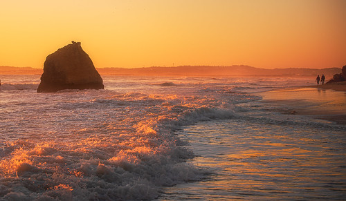 portugal alvor sea ocean atlanticocean sunset walking calm waves