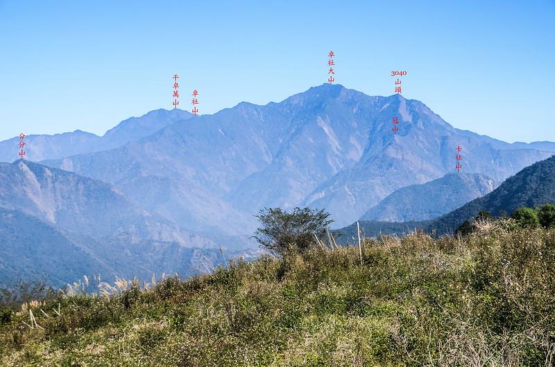 南雙龍山頂東北遠眺干卓萬、卓社大山