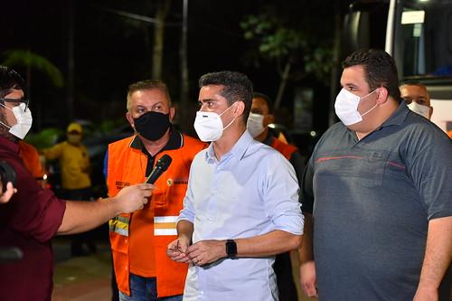 12.1.2021 - Prefeito acompanha ação de limpeza e sanitização na Ponta Negra