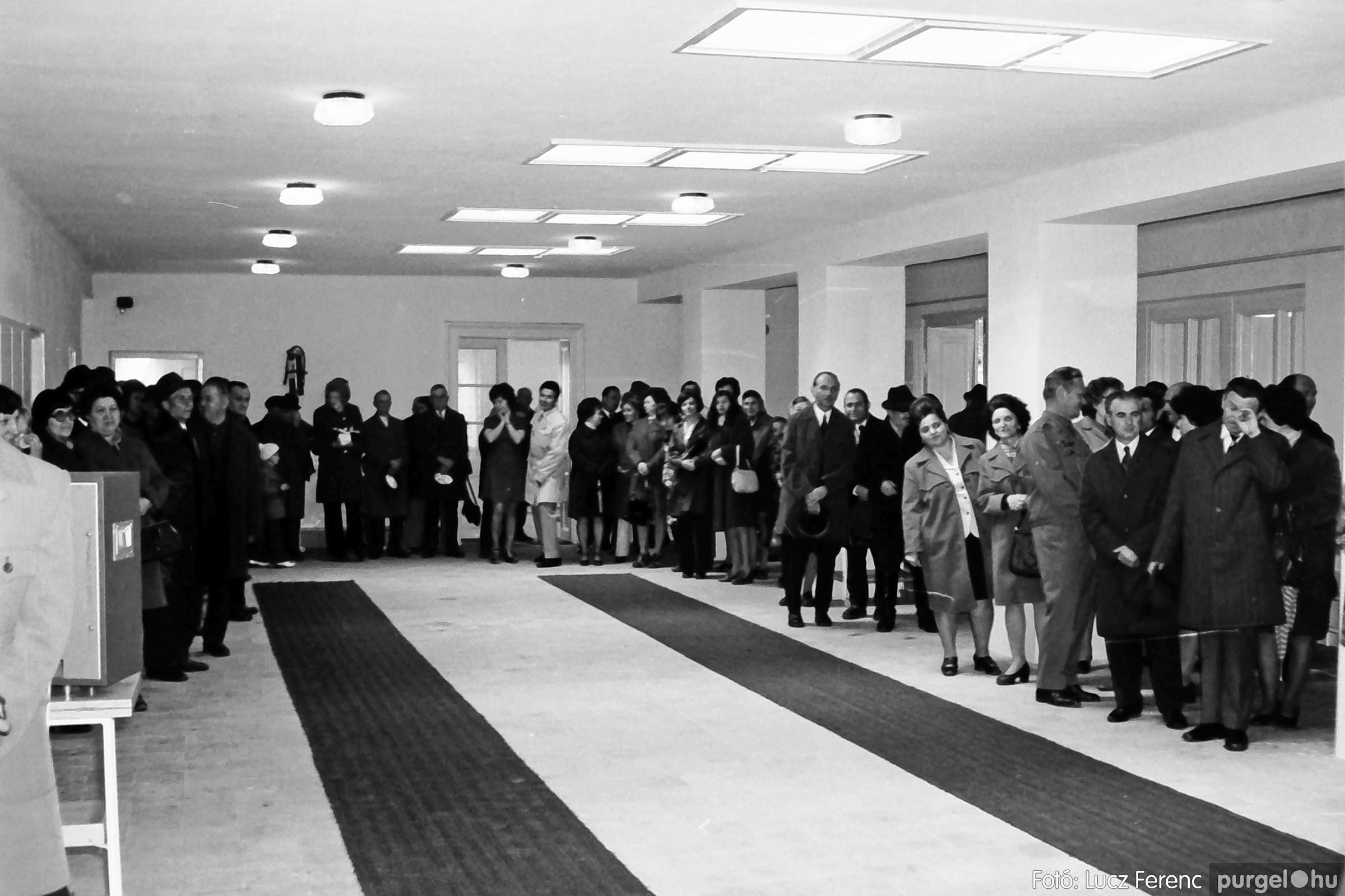 009 1975.04. Óvoda bővítés utáni átadási ünnepség 006 - Fotó: Lucz Ferenc IMG00161q.jpg