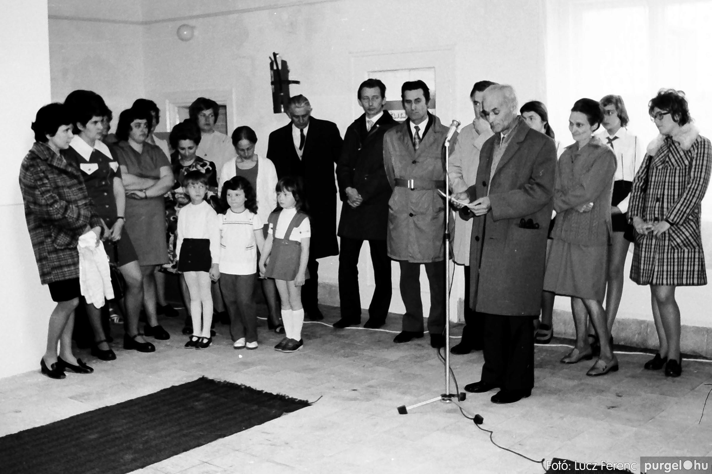 009 1975.04. Óvoda bővítés utáni átadási ünnepség 003 - Fotó: Lucz Ferenc IMG00158q.jpg