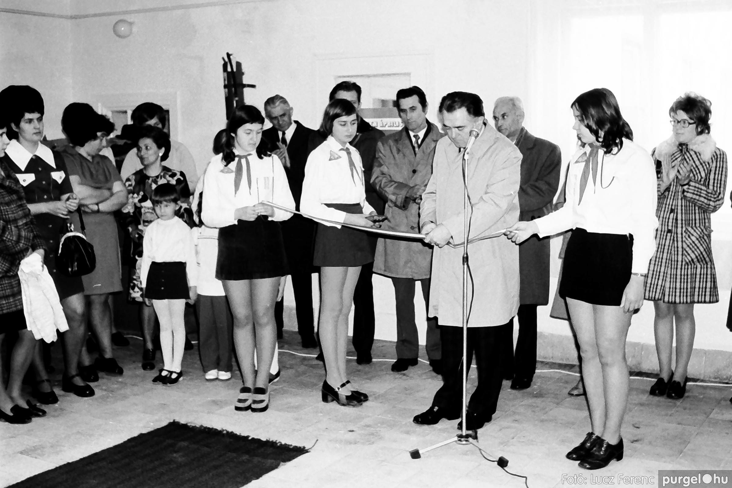009 1975.04. Óvoda bővítés utáni átadási ünnepség 002 - Fotó: Lucz Ferenc IMG00157q.jpg