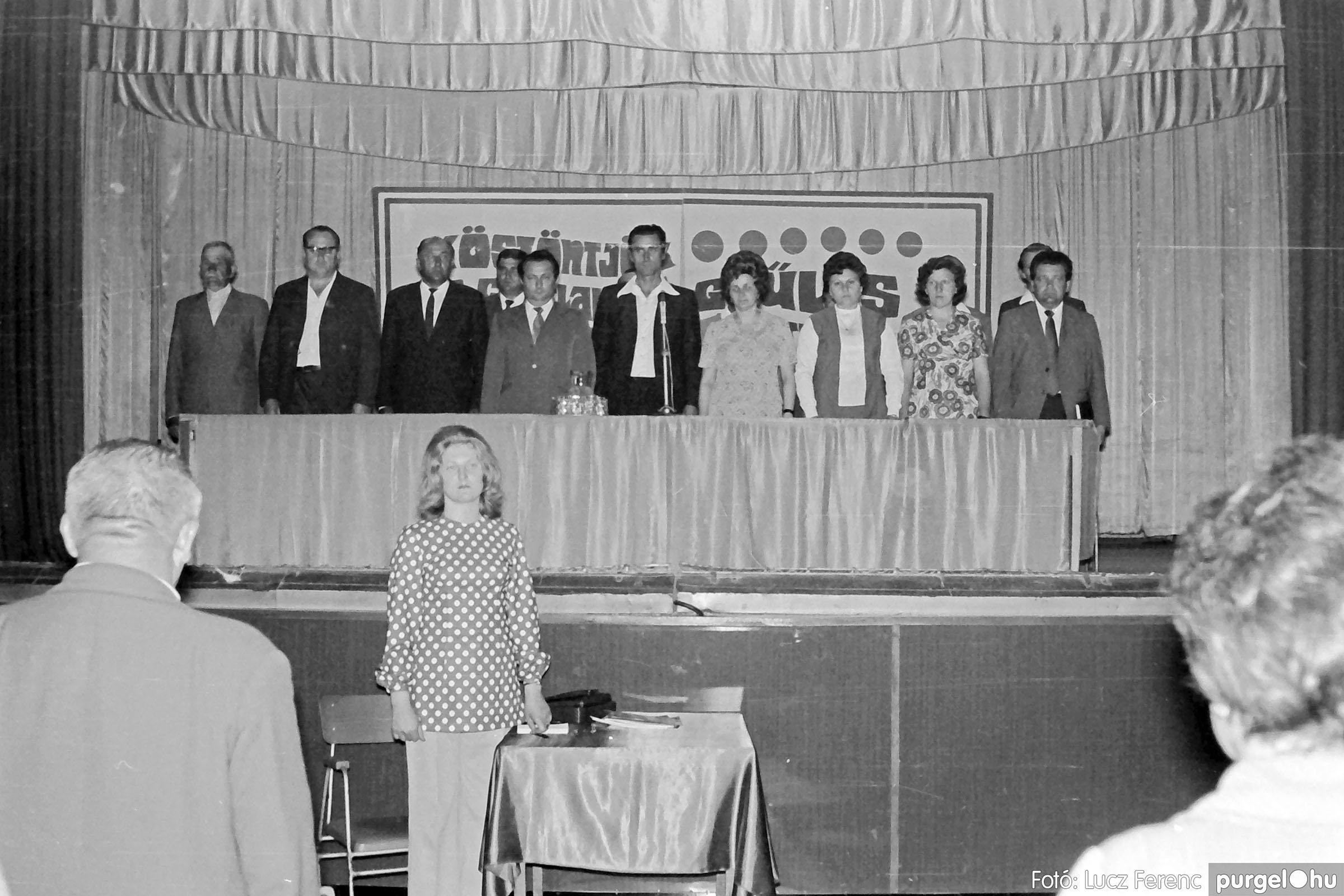 016 1975. Csatlakozó gyűlés a kultúrházban 005 - Fotó: Lucz Ferenc IMG00178.JPG