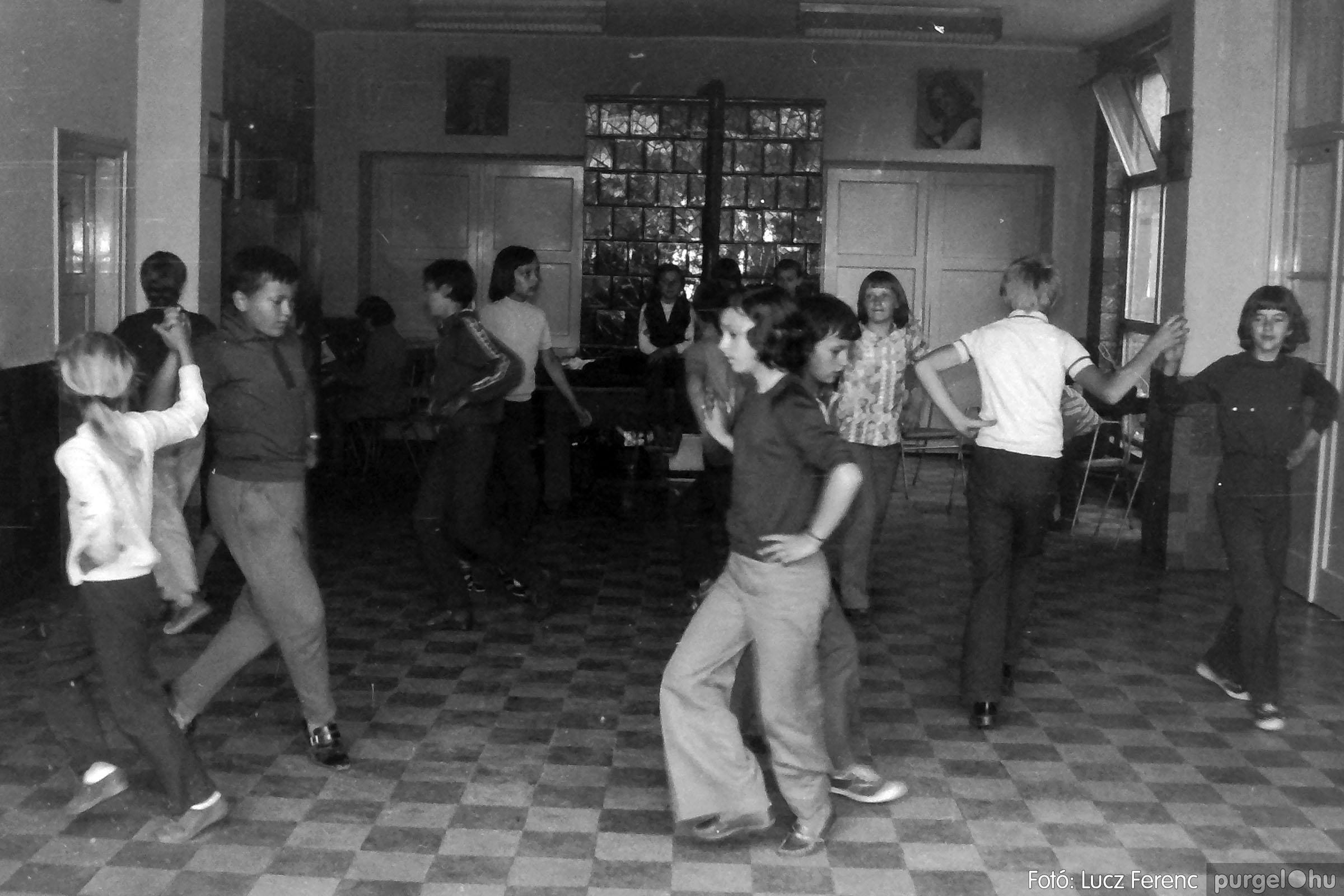 018-019 1975. Élet a kultúrházban 026 - Fotó: Lucz Ferenc IMG00073q.jpg