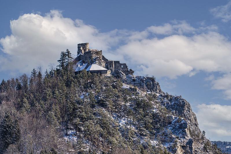 Castle ruin Klamm