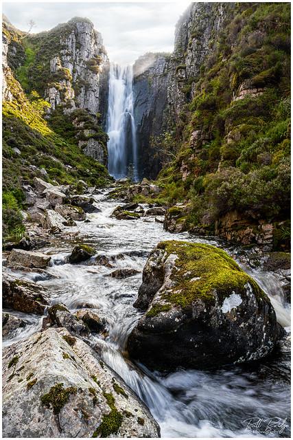 Loch na Gainmhich falls