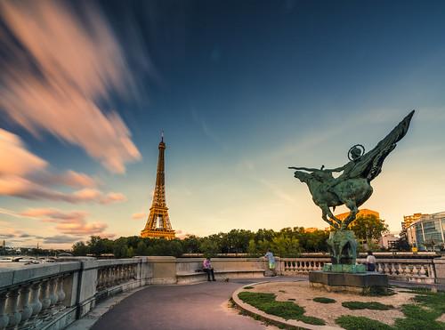 eiffeltower eiffel toureiffel seine birhakeim statue paris longexposure sonyfe1635mmf28gm sony7rm2 sony le