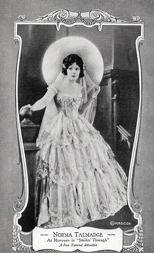 Norma Talmadge in Smilin' Through (1922)
