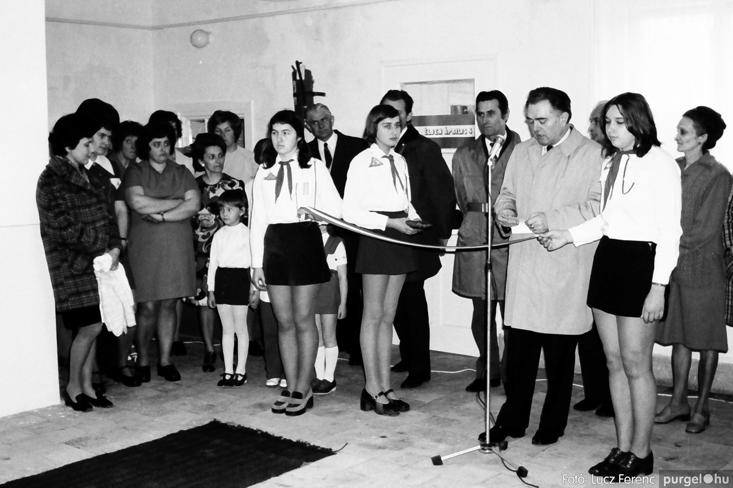 009 1975.04. Óvoda bővítés utáni átadási ünnepség 001 - Fotó: Lucz Ferenc IMG00156q.jpg