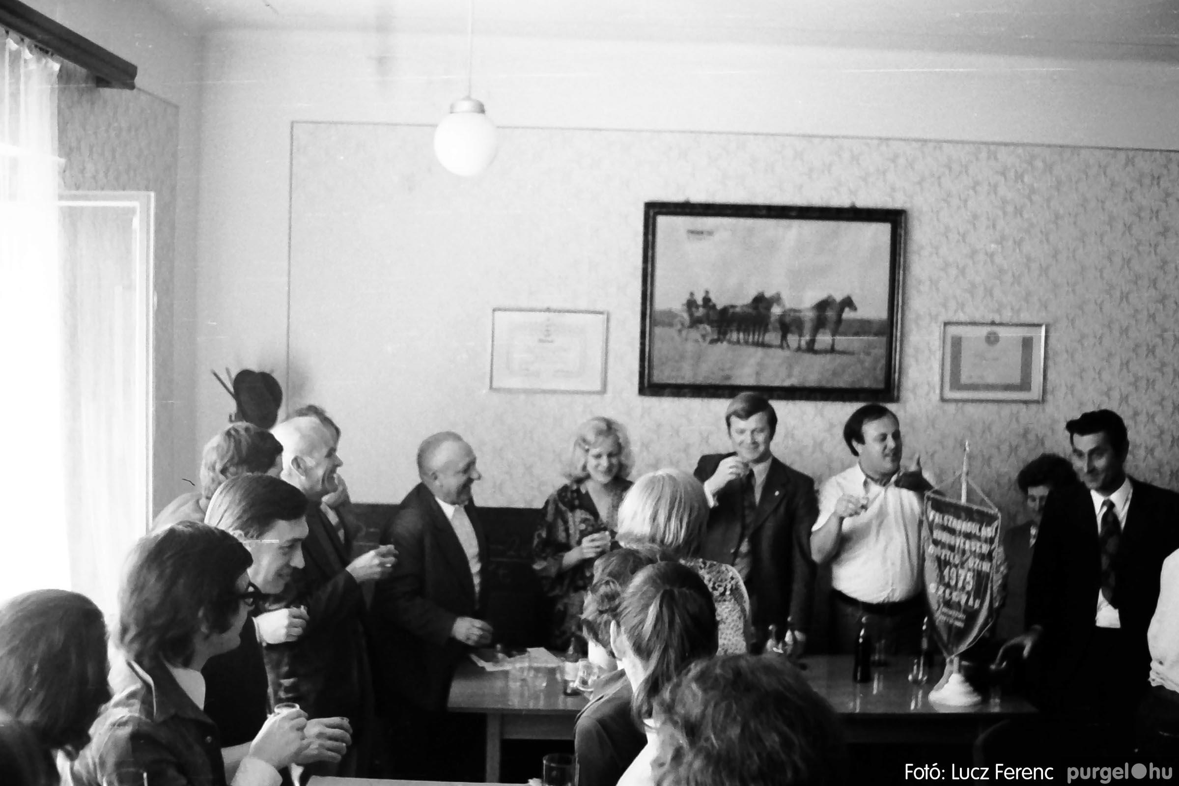 013 1975.04. A felszabadulási munkaverseny győztes üzeme 021 - Fotó: Lucz Ferenc IMG00128q.jpg