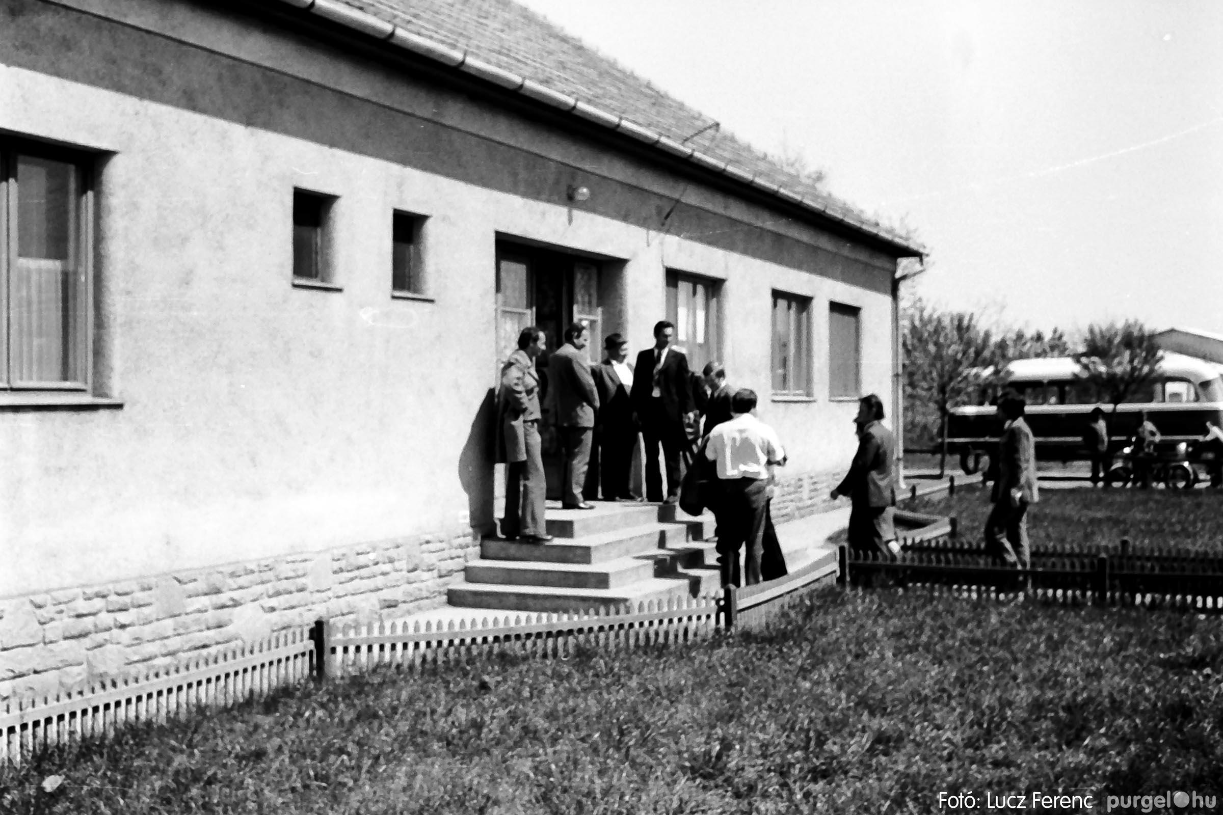 013 1975.04. A felszabadulási munkaverseny győztes üzeme 010 - Fotó: Lucz Ferenc IMG00117q.jpg