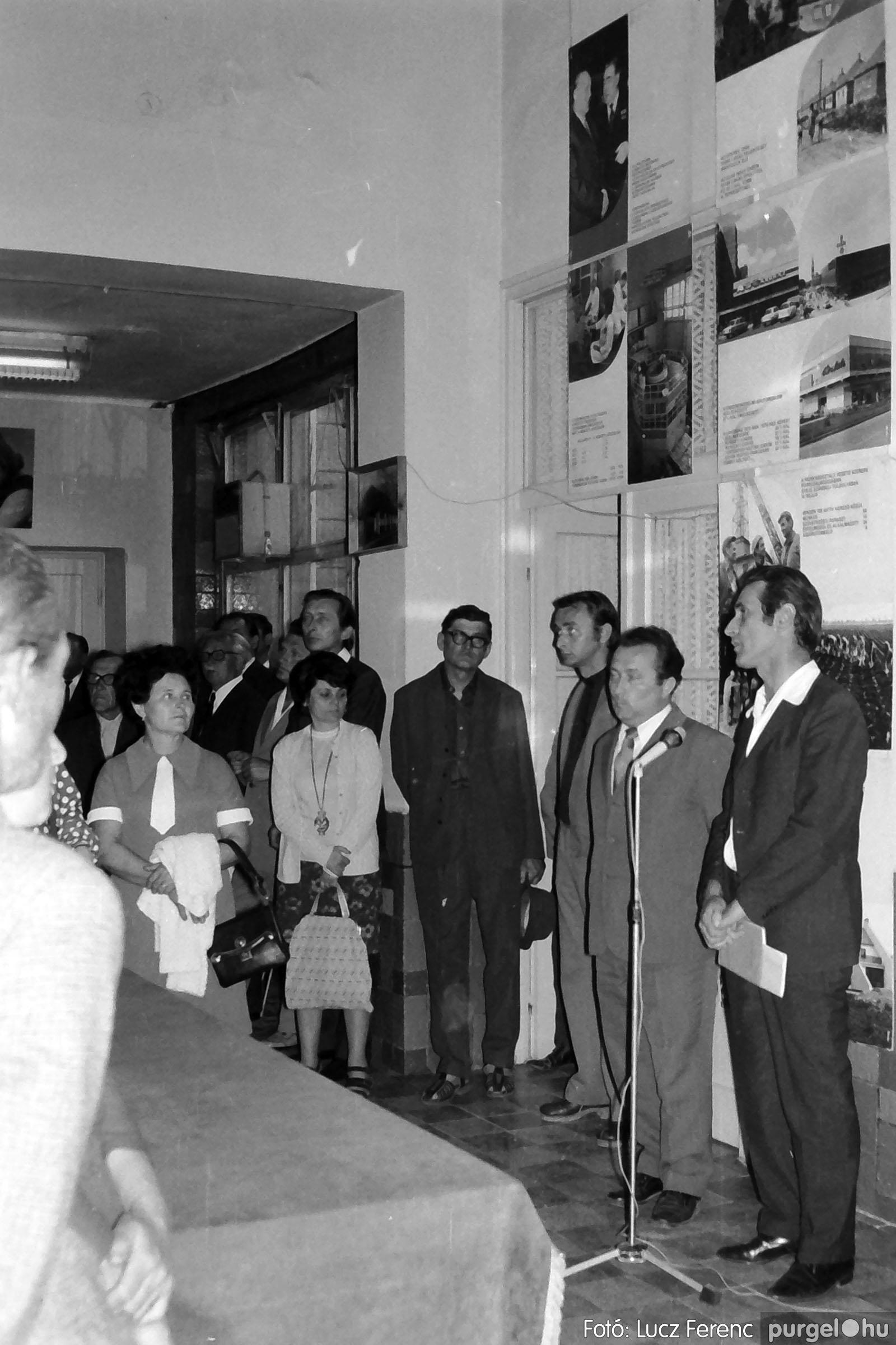 016 1975. Csatlakozó gyűlés a kultúrházban 004 - Fotó: Lucz Ferenc IMG00177.JPG