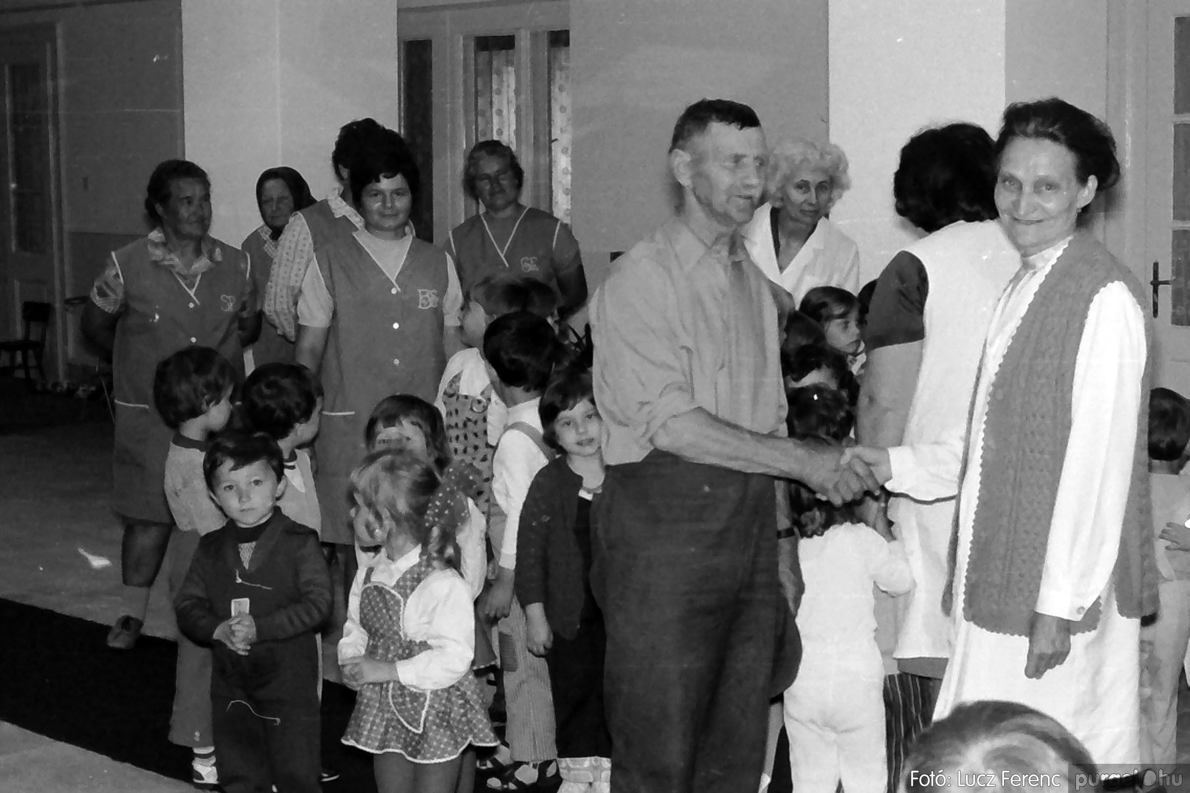 016 1975. Puskin TSZ kertészet szocialista brigád ajándéka az óvodának 011 - Fotó: Lucz Ferenc IMG00172q.jpg