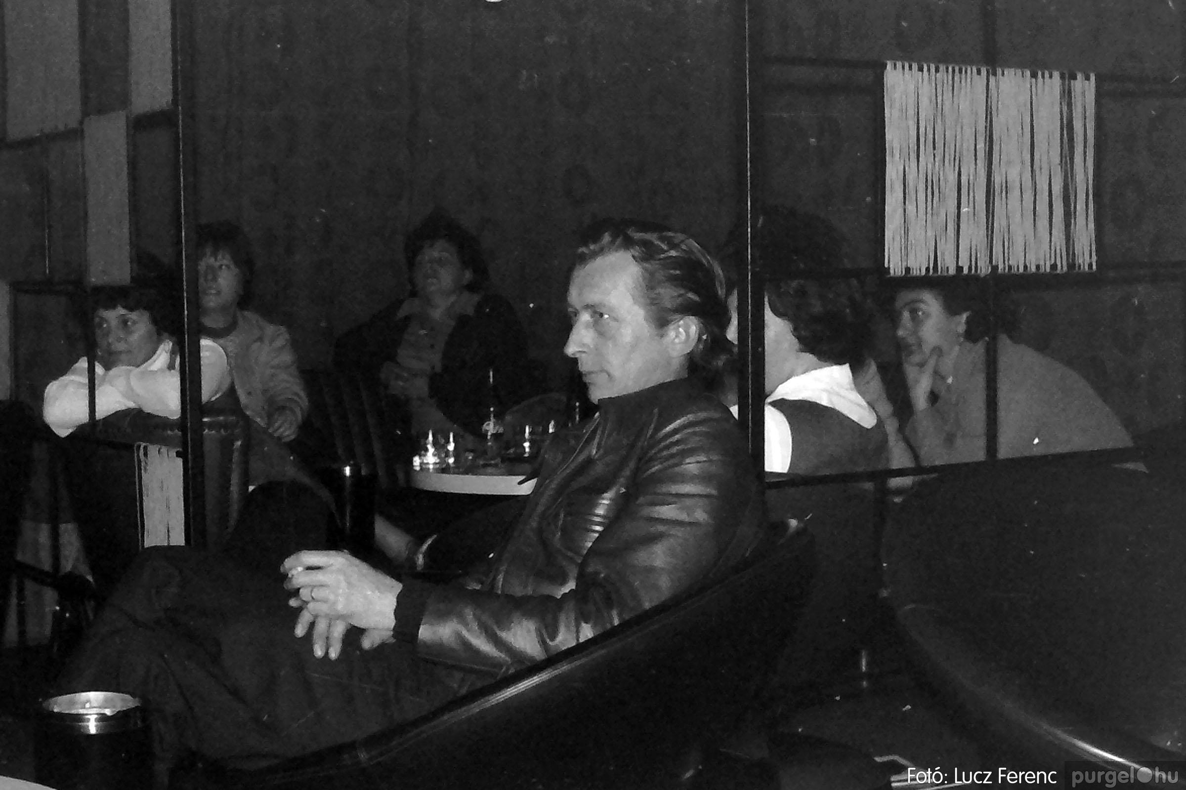 018-019 1975. Élet a kultúrházban 005 - Fotó: Lucz Ferenc IMG00044q.jpg