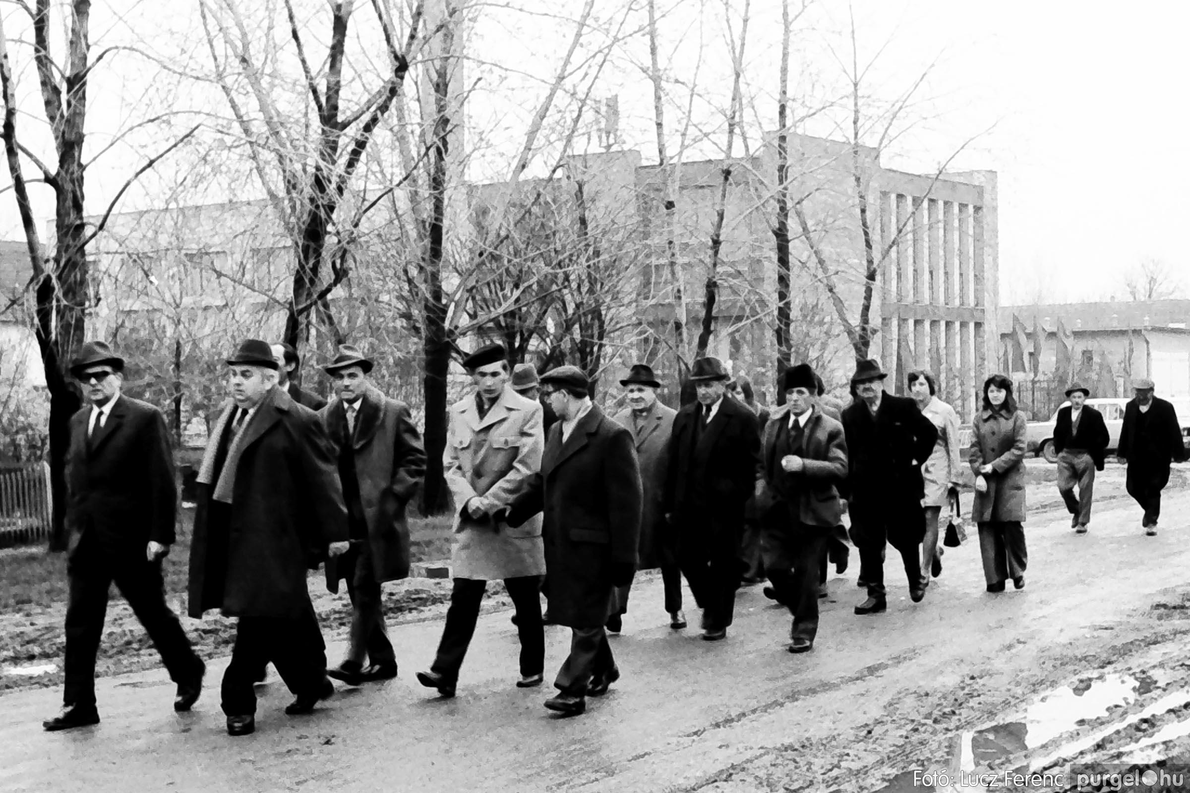 008 1975.04.04. Április 4-i ünnepség 015 - Fotó: Lucz Ferenc IMG00138q.jpg