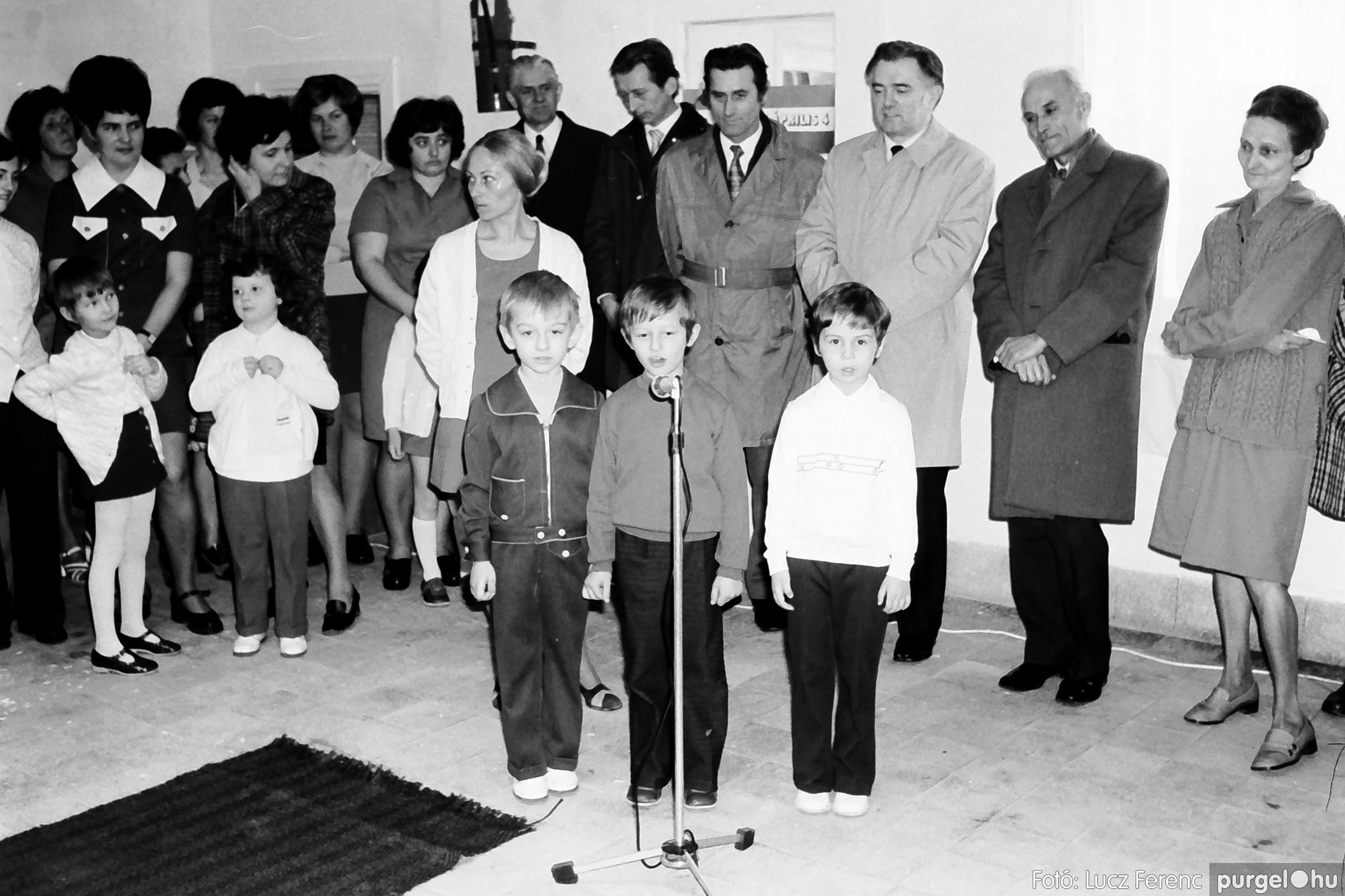 009 1975.04. Óvoda bővítés utáni átadási ünnepség 005 - Fotó: Lucz Ferenc IMG00160q.jpg