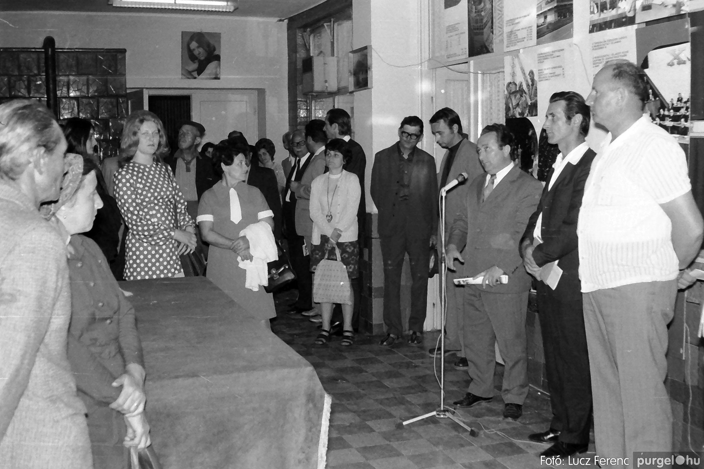 016 1975. Csatlakozó gyűlés a kultúrházban 003 - Fotó: Lucz Ferenc IMG00176.JPG