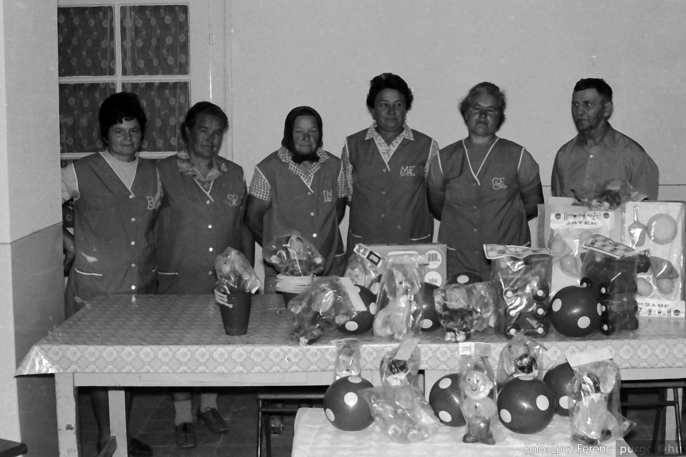 016 1975. Puskin TSZ kertészet szocialista brigád ajándéka az óvodának 004 - Fotó: Lucz Ferenc IMG00165q.jpg