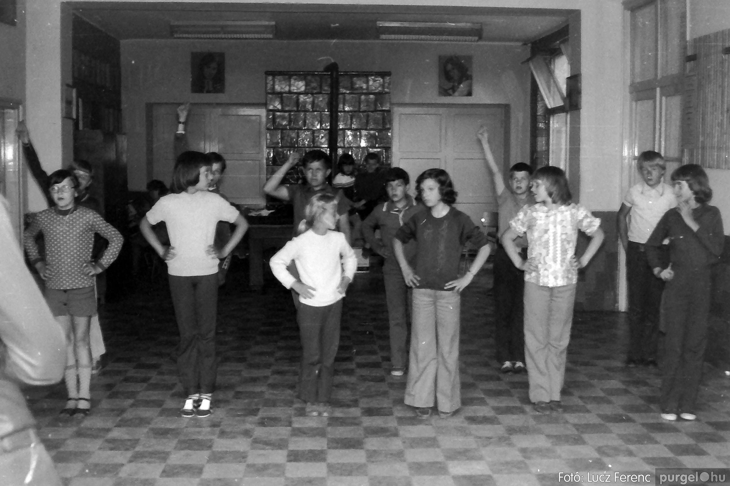 018-019 1975. Élet a kultúrházban 027 - Fotó: Lucz Ferenc IMG00074q.jpg