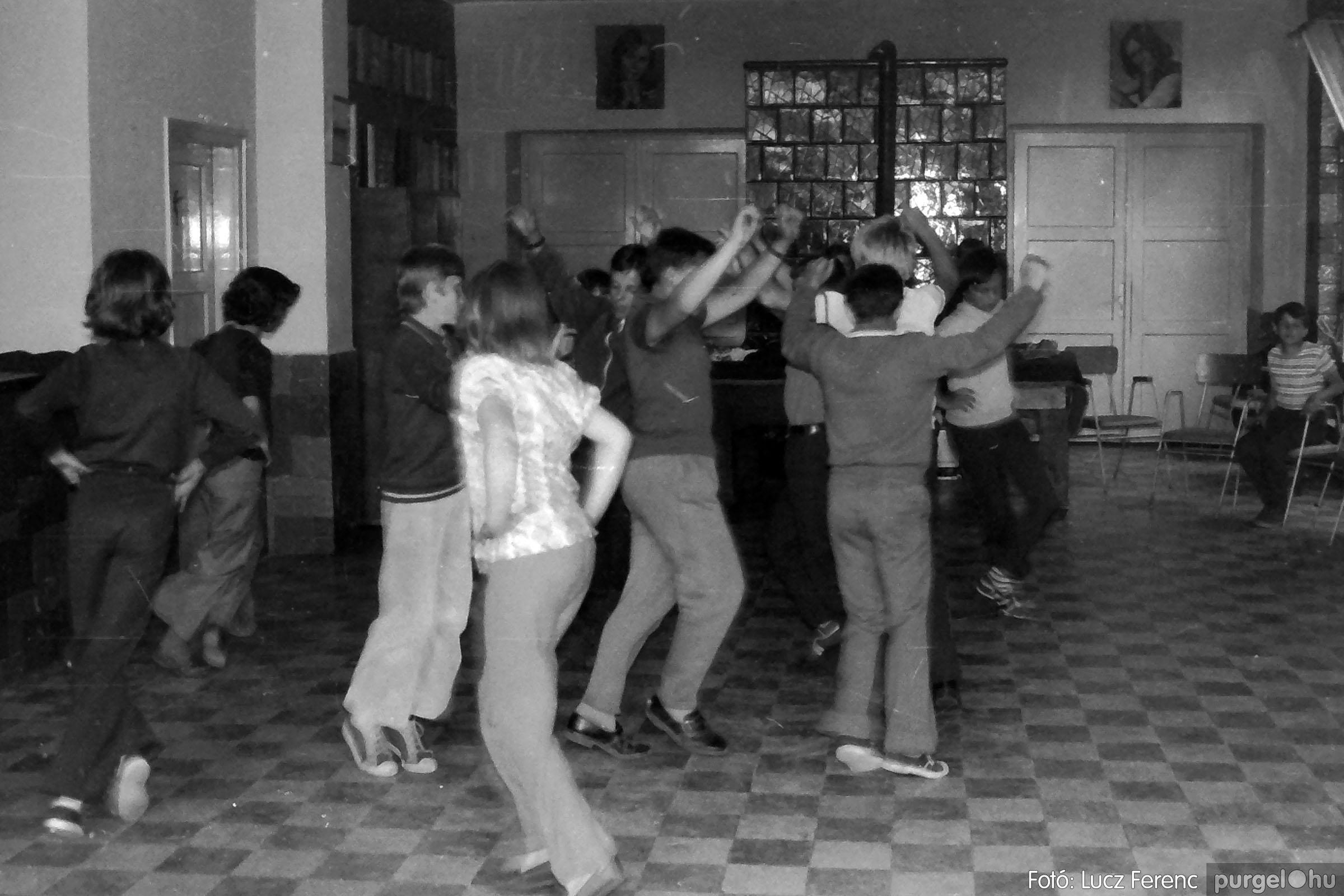 018-019 1975. Élet a kultúrházban 025 - Fotó: Lucz Ferenc IMG00072q.jpg