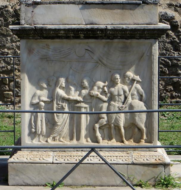 Sacrifice de taureau, temple de Vespasien, Forum civil, Pompéi, Campanie, Italie.