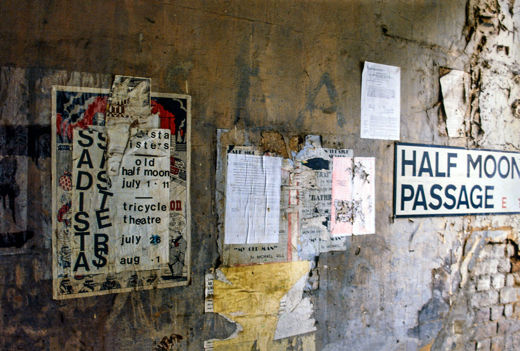 Half Moon Passage, Alie St, Whitechapel, Tower Hamlets,, 1982 82-10-Whitechapel-004