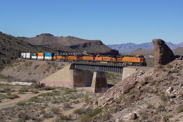 BNSF 7686 Kingman Canyon/Arizona
