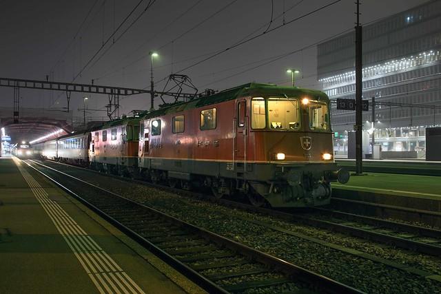 SBB Re 4/4 420 125 + 420 193 Zürich Hbf