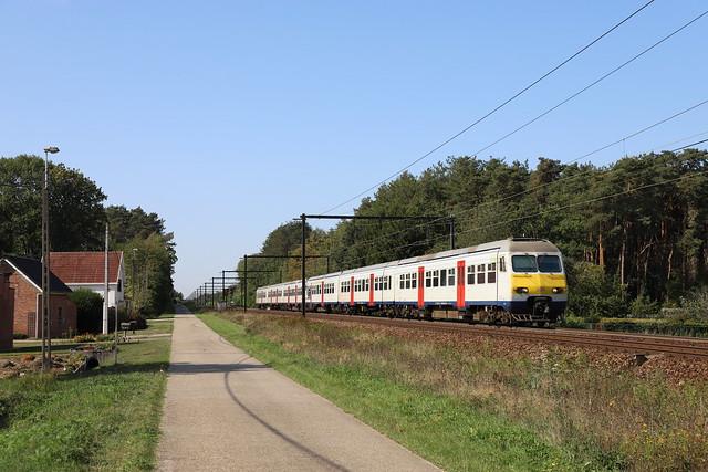 NMBS 325 + xxx Langdorp 15/09/2020.