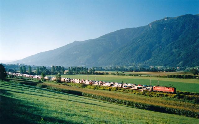 ÖBB 1044 + goederentrein/Güterzug/freight train  - Spittal