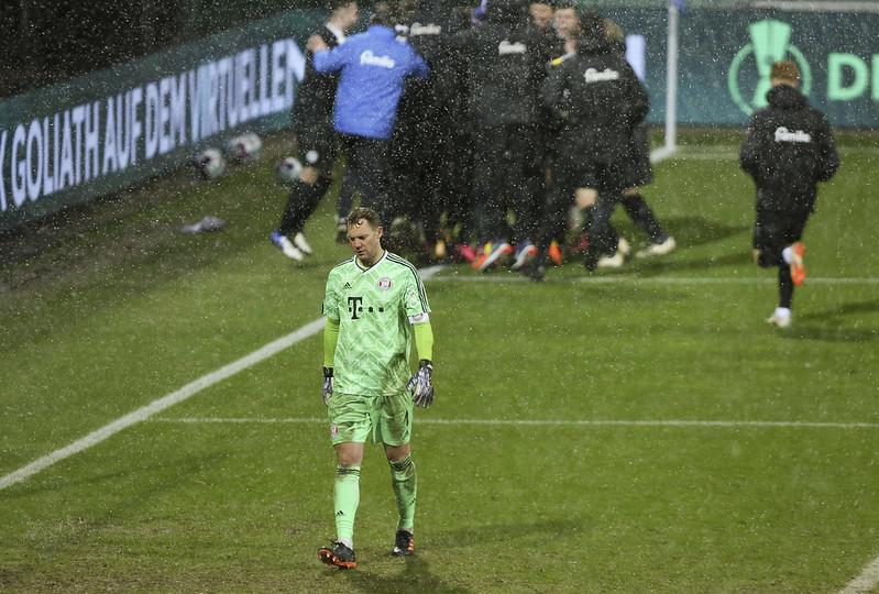 Manuel Neuer在落敗後黯然退場。(達志影像)