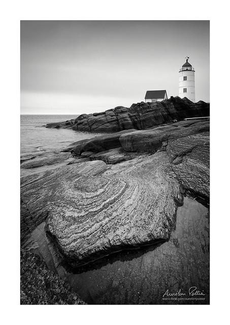 Île Verte, le phare et le rocher