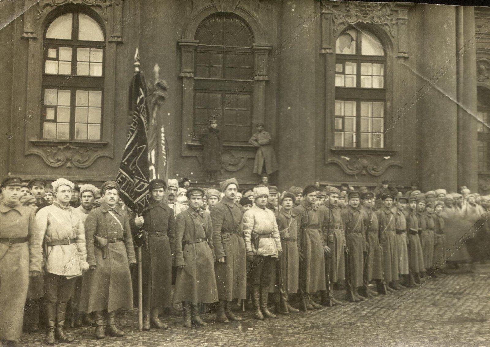1919. Солдаты сводного коммунистического отряда перед отправкой на фронт6