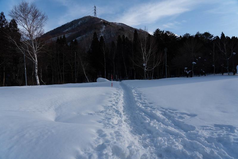 平標山の登山口