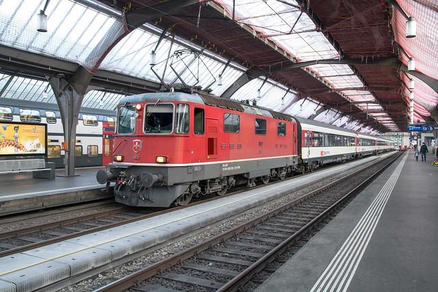 SBB Re 4/4 420 128 Zürich Hbf