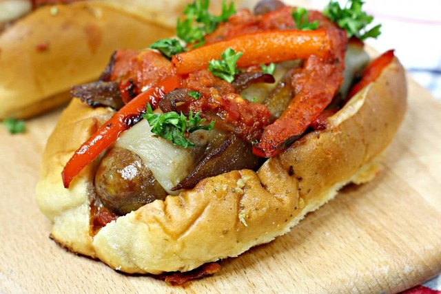 Best recipe to make a sausage sandwich with vegetables at home