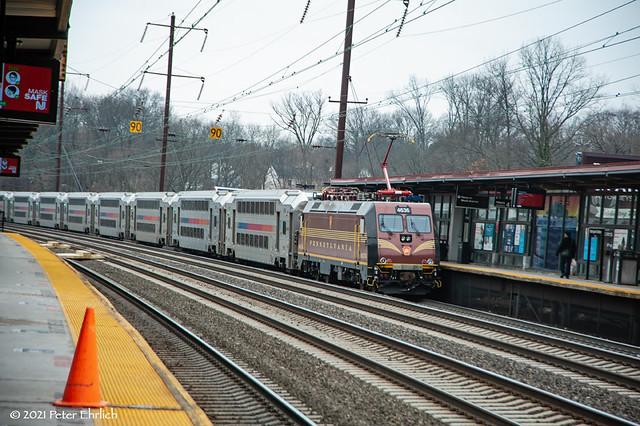 NJ TRANSIT--4636 lv Metropark OB