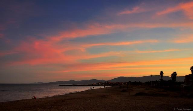 Ciel du couchant sur la plage de Sainte-Marie