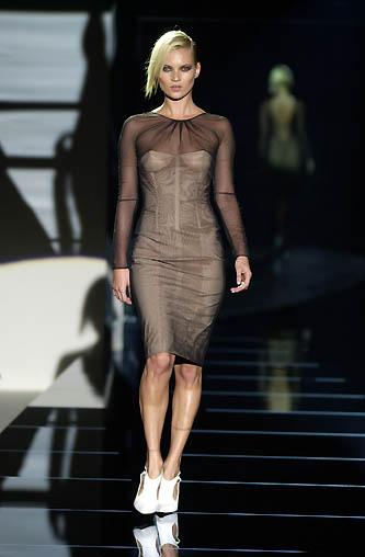 gucci-runway-fashion-show-spring-2001-tom-ford_1
