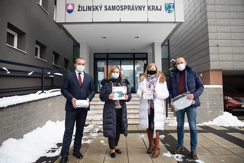 Prevzatie sponzorského daru odfirmy SKI TRAVEL - PROEVENTS, s.r.o.
