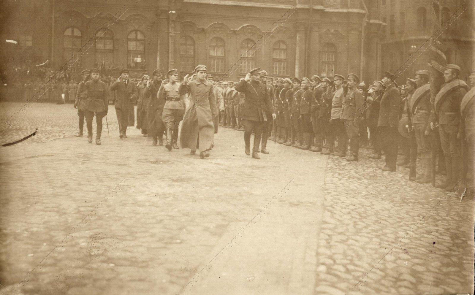 1919. Солдаты сводного коммунистического отряда перед отправкой на фронт3