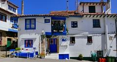 Tazones (Principado de Asturies, ES) – Azul, como ninguno