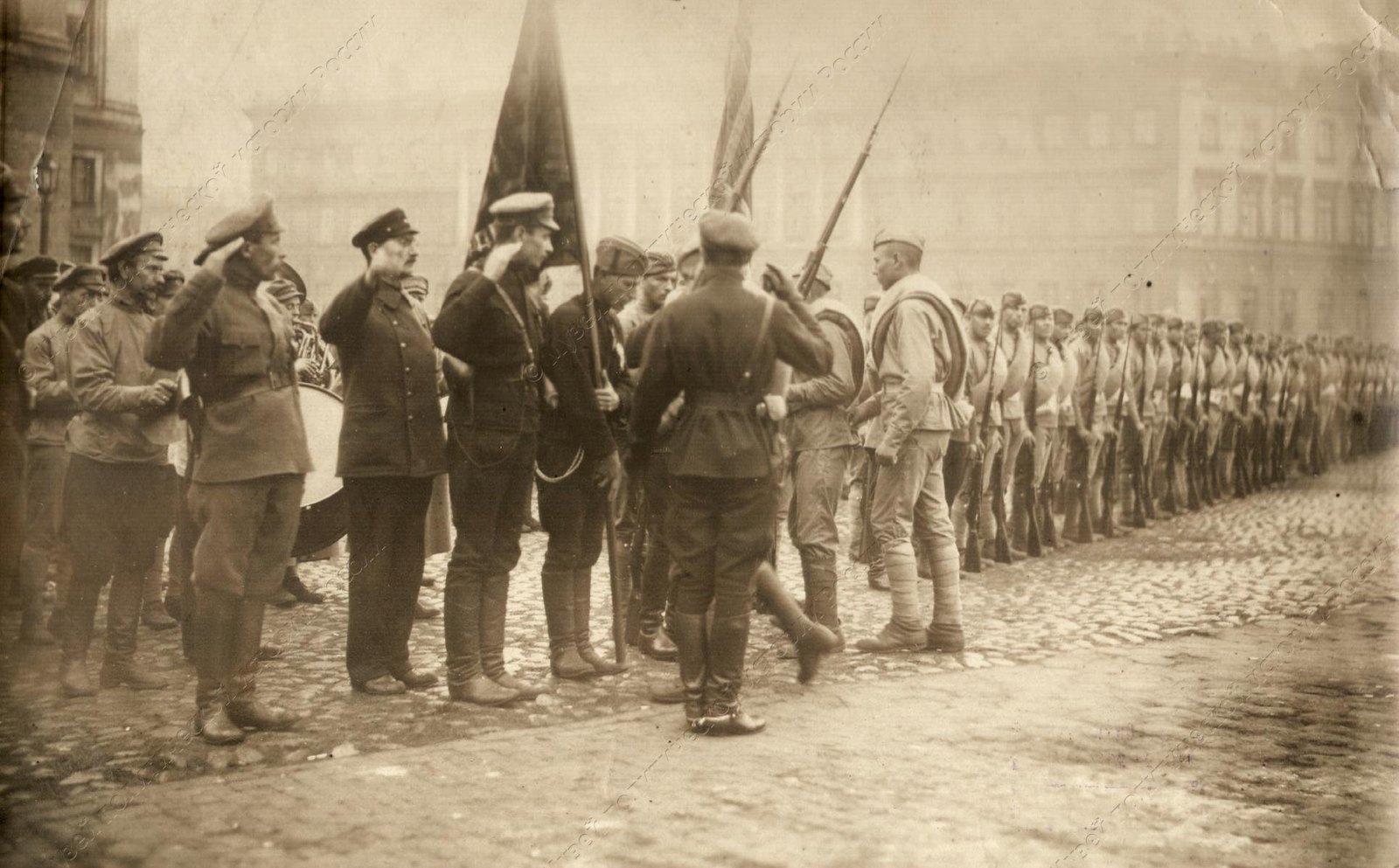1919. Солдаты сводного коммунистического отряда перед отправкой на фронт2