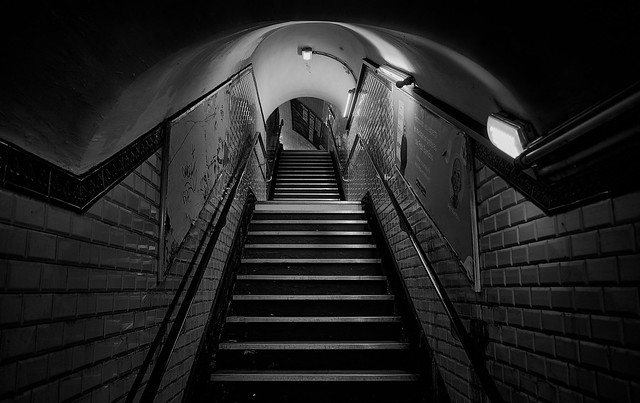 Tube in Paris