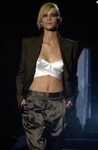 gucci-runway-fashion-show-spring-2001-tom-ford_15