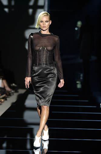 gucci-runway-fashion-show-spring-2001-tom-ford_7