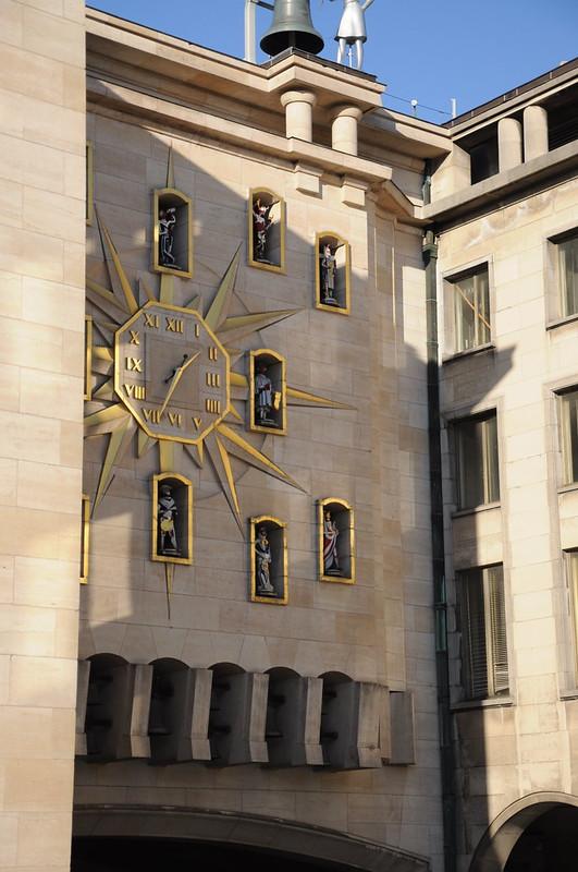 Carillon du Mont des Arts y parte del Palacio de la Dinastía II