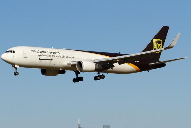 N329UP / UPS Airlines / Boeing 767-34AF(ER)(WL) / PHL