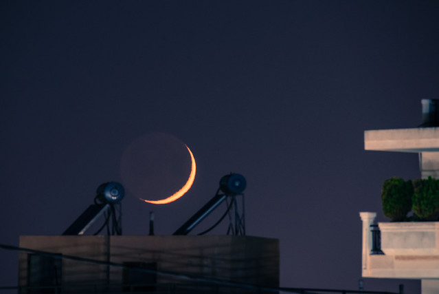 urban moonset